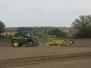Pro nepřízeň počasí se s přípravou polí na setí řepky olejky pokračovalo až dnes…. (31. srpna 2014)